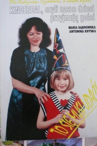 Okładka książki Kinderbal, czyli nasze dzieci przyjmują gości