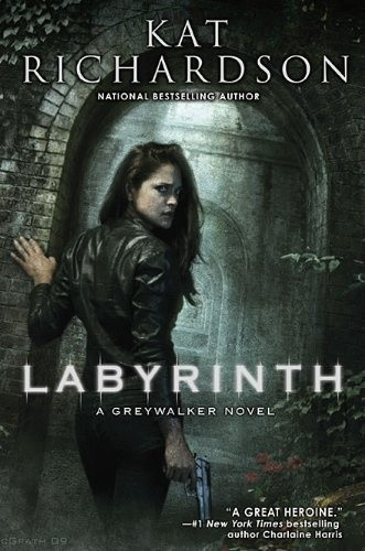 Okładka książki Labyrinth