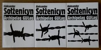 Okładka książki Archipelag GUŁag 1918-1956. Próba dochodzenia literackiego (t. I-III)