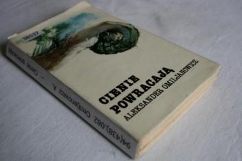Okładka książki Cienie powracają