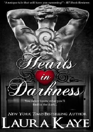 Okładka książki Hearts in Darkness