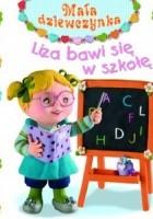 Liza bawi się w szkołę