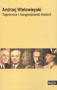 Okładka książki TAJEMNICE I NIESPODZIANKI HISTORII