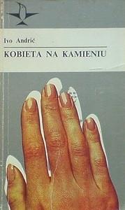 Okładka książki Kobieta na kamieniu