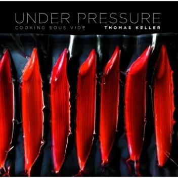 Okładka książki Under Pressure: Cooking sous vide