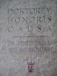Okładka książki Doktorzy honoris causa. In perpetuam rei memoriam
