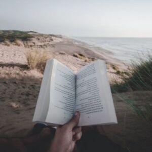 5 nieoczywistych pisarzy na lato