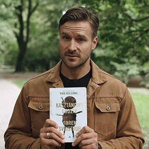 """Jeden taki thriller i 1000 bibliotek w Polsce. """"Kasztanowy ludzik"""" wchodzi na ulice i do księgarń!"""