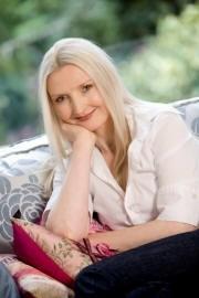 Claudia Carroll