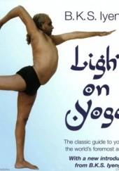Okładka książki Light on yoga B. K. S. Iyengar