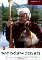 Okładka książki Woodswoman Anne LaBastille