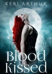 Okładka książki Blood Kissed Keri Arthur