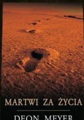 Okładka książki Martwi za życia