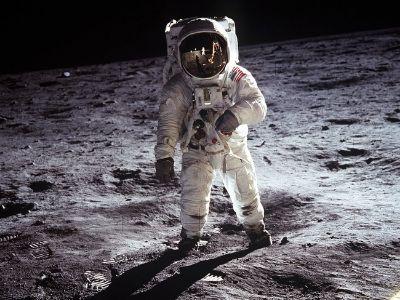 Opowieści księżycowe – czego szukamy w kosmosie?