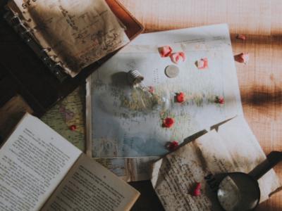 W podróży do krain literackich. 10 książek z kierunkiem w tytule