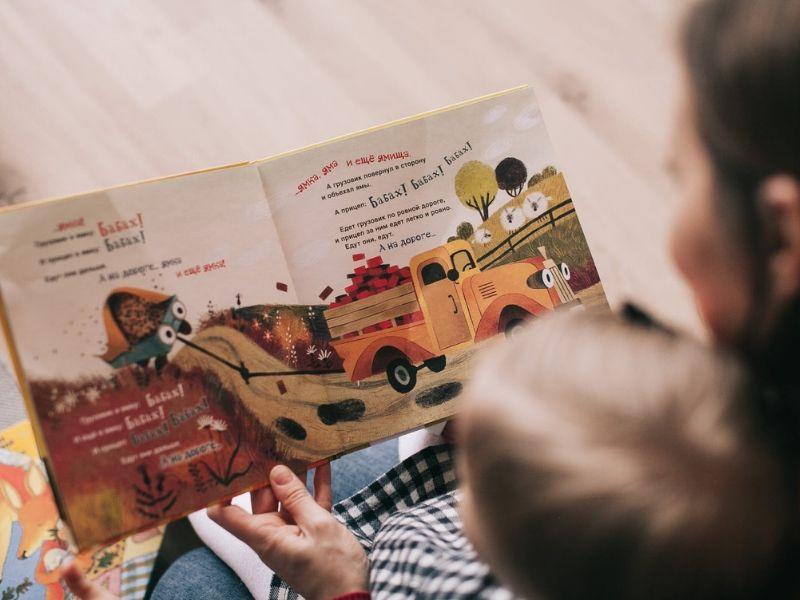 Czytelnicze powroty, czyli dlaczego w dorosłości należy czytać książki z dzieciństwa