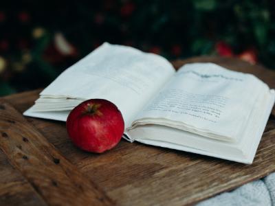 Sezon owocowy. 12 książek z dużą zawartością owoców