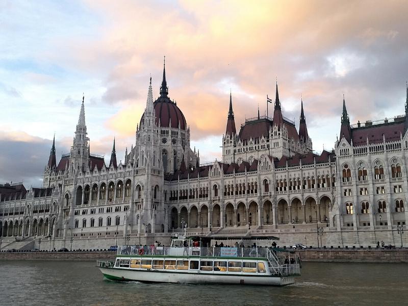Czy Węgrzy mają swoją literaturę narodową?