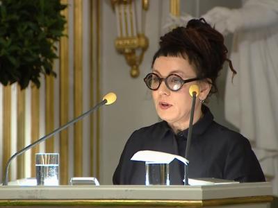 """Przemowa noblowska Olgi Tokarczuk. Przeczytaj esej """"Czuły narrator"""""""