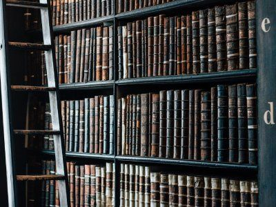 Koronawirus. Odwoływane targi i wydarzenia literackie, pozamykane biblioteki