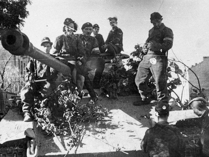 Powstanie Warszawskie w literaturze. 10 książek o zrywie z 1944 roku